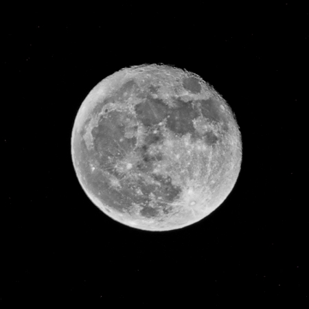 pntx5917-day-late-super-moon